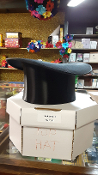 Gently Used Collapsible Top Hat